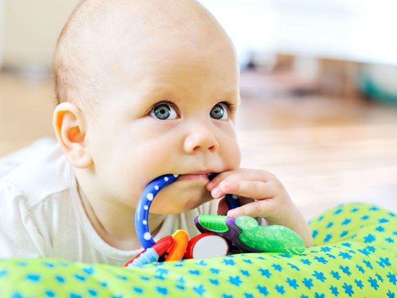 Πώς να καθαρίσεις τα παιχνίδια του μωρού – I Love Mommy 34bb14d2225