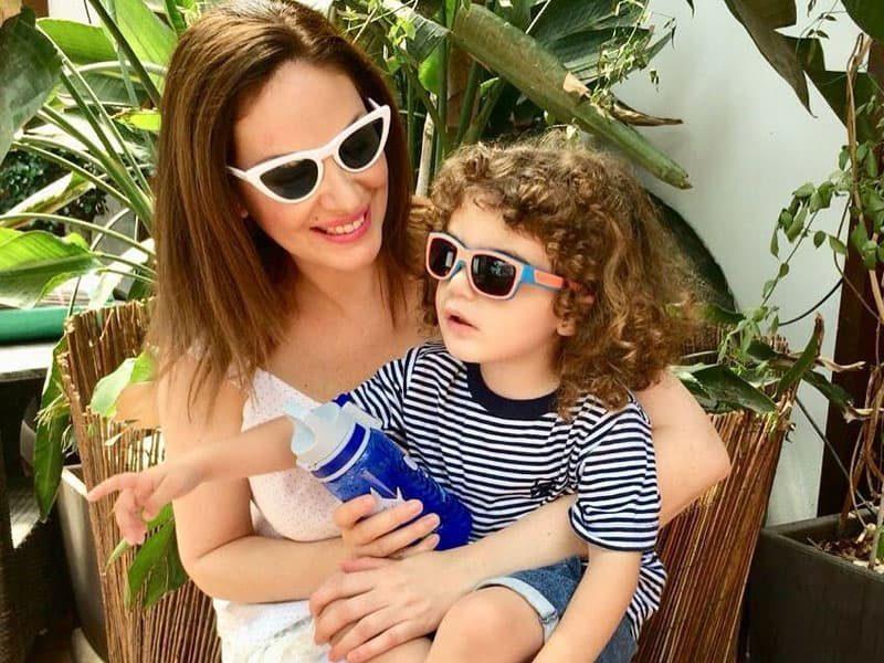 Γιώτα Κουφαλίδου  Την τσακώσαμε με τον γιο της Βασίλη χθες τα μεσάνυκτα  -Δείτε τις εικόνες!(ΦΩΤΟ) 43c5c3d9718
