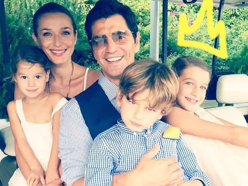 Σάκης Ρουβάς  Οι πιο όμορφες στιγμές με τα παιδιά του-Έλιωσε το  instagram!(ΦΩΤΟ) 4220ee9eaa9